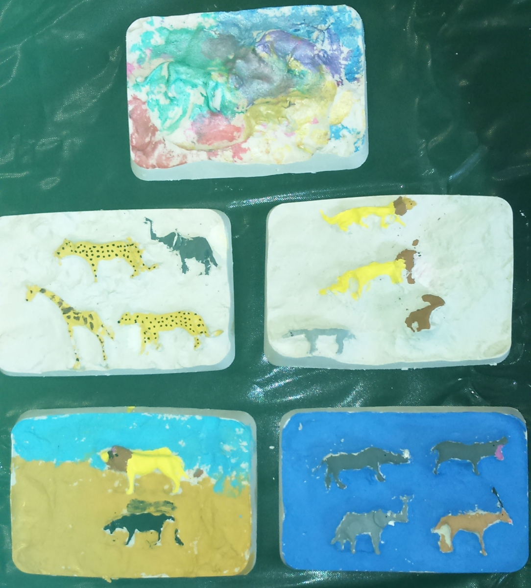 Plaster-animal-plaques-ages-3-12